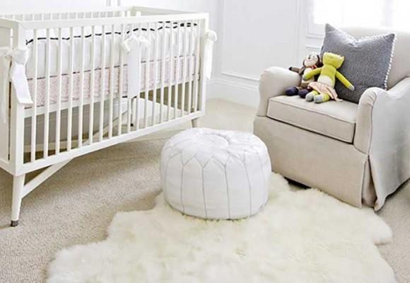 La peau de mouton : l'alliée de la chambre de bébé